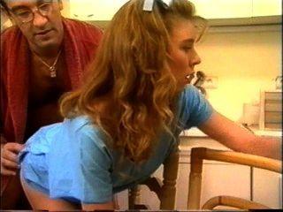 ein Teenager tun nur ihre Hausaufgaben gruselige alte Fick Penner bis