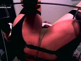 Diva verwendet erotische Hypnose und Strümpfe zu verführen