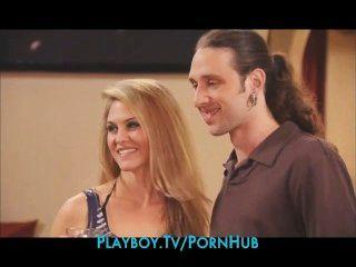 neue Paar wird in einen Swinger Orgie eingeführt