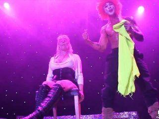 norwegisch Milf monica auf der Bühne Sexhibition oslo - Norwegen -norsk