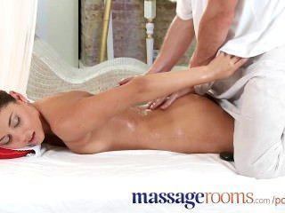Massageräume schöne Teen liebt es, für den weiblichen Orgasmus seine Berührung