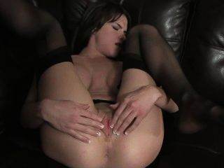 big-Brüste Schönheit hat einen Orgasmus