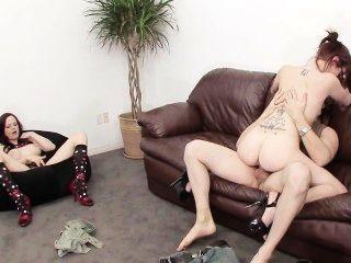 Live-Sex-Show für ihren Geburtstag!