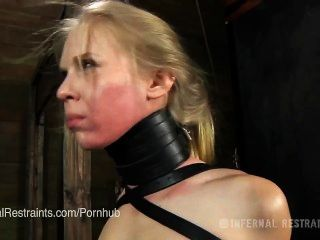 Sarah Jane Ceylon wird als Bondage Sklave trainiert