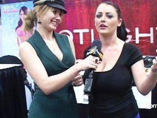 pornhubtv sophie dee Interview bei Exxxotica 2012