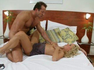 Carla Cox tut anal