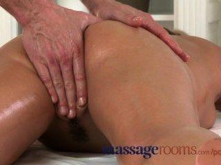 Massageräume nass zuzana hat tiefe Orgasmus vor eine schwere Last Mumm bekommen