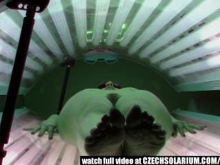 hidden cam - Haarige Muschi im Solarium