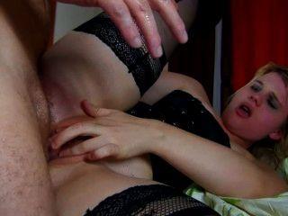 französisch camwhore wird mit einem fetten Schwanz in ihren Arsch bestraft