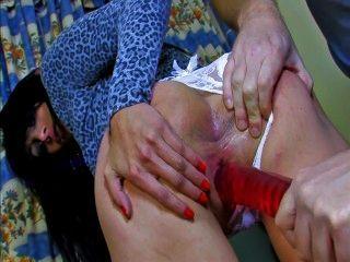 spanisches Mädchen wird für assfucking abgeholt