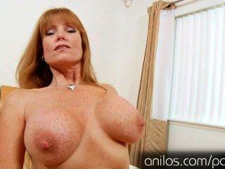 reifen Mutter Darla Kran gebraucht riesigen Titten und hungrig Pussy