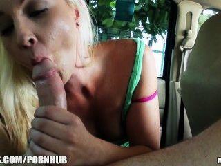 versteckte Taxi-Cam nimmt eine böse blonde gf auf die Rache Sex will
