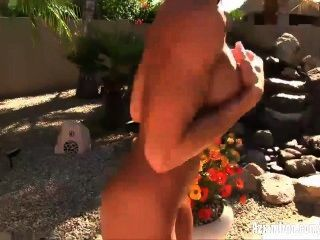 Aziani Eisen abby marie Fitness-Modell startet Bikini