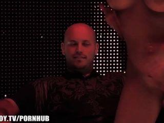 zeigen Sie uns Ihren Verstand - Stripper Sensation