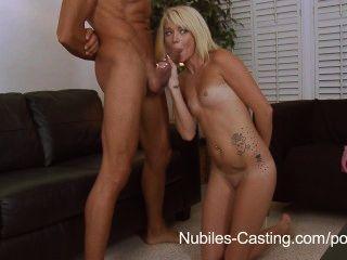 nubiles Gießen - können ihre enge Teen Pussy seinen riesigen Schwanz nehmen?