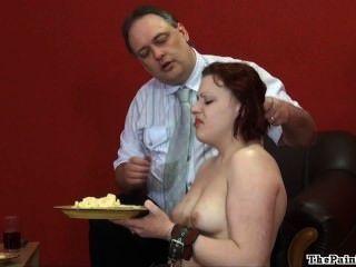 ekelhaft Essen Demütigung und grausam häusliche Disziplin der sexy Fetisch