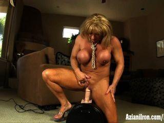 große Muskeln, große Klitoris und ein großer intensiven Orgasmus