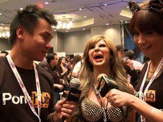 pornhubtv chloe Chaos Interview bei 2014 AVN Awards