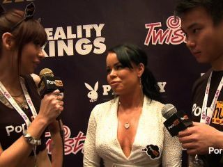 pornhubtv nikki Delano Interview bei 2014 AVN Awards