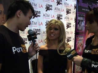 pornhubtv Aubrey addams Interview bei 2014 AVN Awards