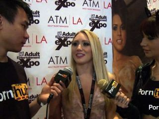 pornhubtv aj Applegate Interview bei 2014 AVN Awards