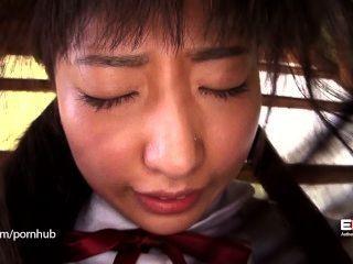 erito- Mädchen schüchtern Schule eröffnet