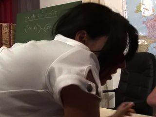 Lehrer bekommt Doppel von Studenten gemeinsam