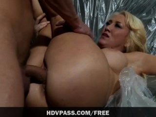not sexy lesbische Bondage Porno love kiss and
