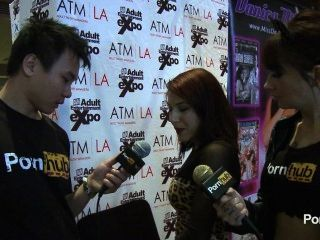 pornhubtv Liv aguilera Interview bei 2014 AVN Awards