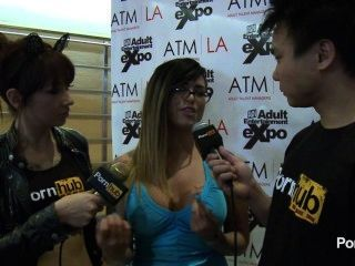 pornhubtv eva angelina Interview bei 2014 AVN Awards