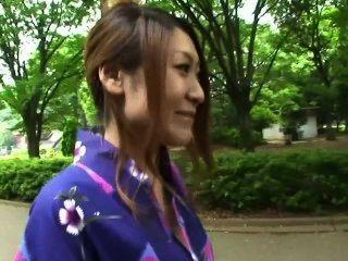 Tokimeki Yukata ga kuzurerukara dame - Szene 1