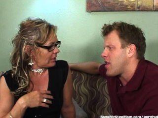 geil stepmom nutzt ihr Stiefsohn