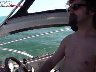 Spaß-Filme Deutsch Mädchen auf einem Boot gefickt