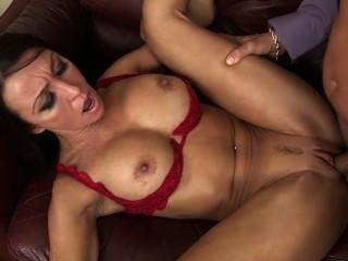 Sex mit dem Chef für eine Förderung
