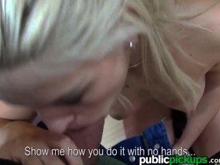 mofos - hot Euro jugendlich macht Bowling sexy aussehen