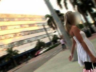 hot Miami Amateur Küken nimmt einen großen ole Schwanz !!