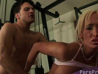 Lichelle marie gefickt im Fitness-Studio