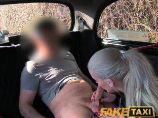 faketaxi posh Blondine hat Sex mit ihr gepisst Video bekommen gelöscht