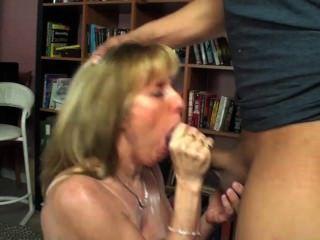 22-jähriger Mann füllt meinen Mund pissen, Schwanz und Sperma