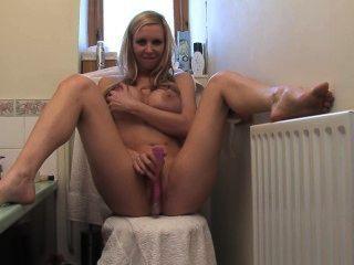 blonde Sexbombe Solo