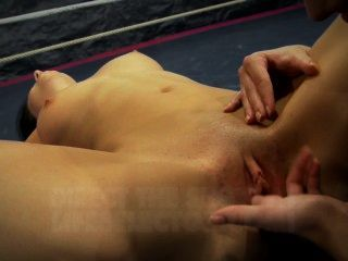 nudefightclub präsentiert amirah adara vs Jessyka Schwan
