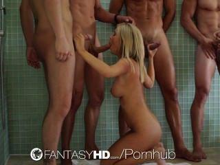 hd - fantasyhd Tasha Herrschaft ist mit einer Orgie mit drei Jungs