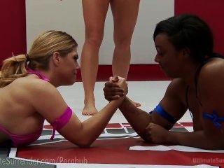 kurvig zwischen verschiedenen Rassen lesbische Ringen