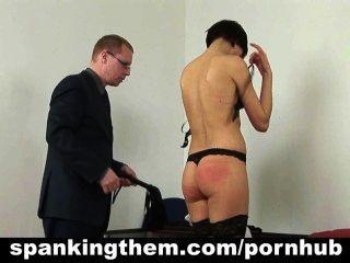 Strafe für faule Sekretärin