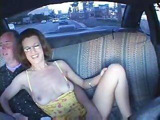 Paar beim Sex in einem Taxi