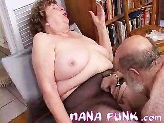 nana Funk Muschi lecken und bläst alten Hahn