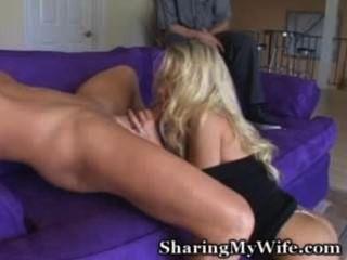 Hottie zeigt ihr Mann, wie er sollte ficken