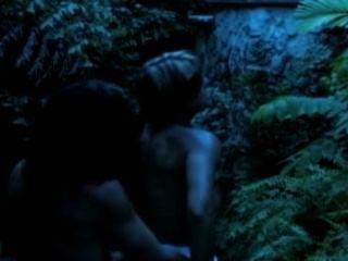 veronika Raquel bekommen ihre Muschi von einem Werwolf gefickt