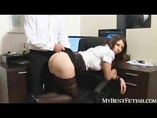 bigtits erhalten Sekretärin ihren Arsch versohlen