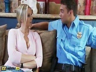 julia ann von Rocco Reed interviewt wird, bekommt von ihm dann gefickt
